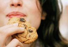 'Phát điên' khi người lạ ăn mất bánh quy, nhưng sau đó cô gái nhận được bài học đắt giá
